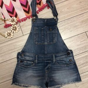 Abercrombie & Fitch denim overall shorts. XS